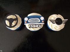 Car cupcake ideas, love the grill idea Cupcakes For Men, Love Cupcakes, Themed Cupcakes, Baking Cupcakes, Wedding Cupcakes, Car Themed Wedding, Cupcake Wars, Diy Food, Food Ideas