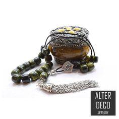 Green Komboloi, Acrylic Marble effect Beads, Worry Beads, Prayer Beads, Metal Tassel, Stress Relief, Relaxation, Meditation, Gift for Dad #StressReliefBeads #BirthdayGiftMen #GreenKomboloi #GiftForHusband #MetalTassel #AcrylicKomboloi #Komboloi #GreekWorryBeads #WorryBeads #GreekKomboloi Relaxation Meditation, Marble Effect, Paper Tape, Prayer Beads, Bracelet Sizes, Gifts For Husband, Stress Relief, Tassel, Cufflinks