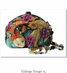Mary Frances beaded embellished handbags fuse whimsy with elegance, femininity with functionality. Mary Frances Purses, Mary Frances Handbags, Beaded Purses, Beaded Bags, Vintage Purses, Vintage Handbags, Novelty Bags, Art Bag, Purse Styles