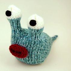 Gonna learn to knit just so I can make this cute little fella <3