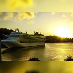 With such beautiful Golden #sunsets in Saint Lucia, not even the cruise ships want to leave our #simplybeautiful #island #paradise. #PhotoOfTheDay by: Jasen D. Matoorah @ja5e19 #Repost #stlucia #saintlucia #saintlucianow #visitsaintlucia #caribbean #tropical #travel #vacation #escapethecold #escapewinter #escape #warmweather #funinthesun…