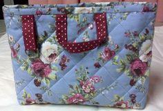 refil de bolsa feito em tecido 100% algodão  4 bolsos interno de 10 cm cada e 2 divisórias de 5cm cada. R$ 35,00