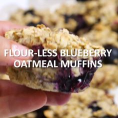 Flour-Less Blueberry Oatmeal Muffins - Made with clean ingredients, these muffins will fill you up and fuel your day! Click the video for the full recipe! Clean Eating Snacks, Healthy Snacks, Healthy Eating, Healthy Recipes, Blueberry Recipes For Diabetics, Clean Eating Muffins, Easy Clean Eating Recipes, Snacks Kids, Protein Snacks