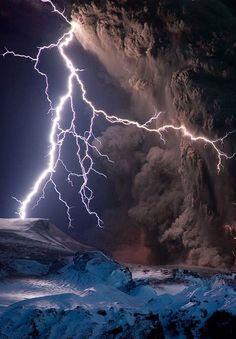 Amazing Lightning, volcano, Iceland