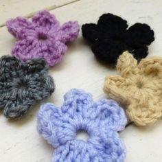 Cute little spring flowers for whatever at sixthanddurian.etsy.com #etsy #etsyshop #etsyseller #flowers #crochet #newworlddesigners #forsale #cute #crochet