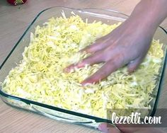 How to make slaw? Learn how to do it with a illustrated recipe. - Delicious Meets Healthy: Quick and Healthy Wholesome Recipes Foods To Eat, I Foods, Turkish Salad, Wie Macht Man, Appetizer Salads, Turkish Recipes, Food Illustrations, Vegetable Recipes, Salad Recipes