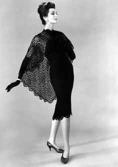 Carmen Dell'Orefice wearing dress by Werle' from My Vintage Vogue. For Petulant! 1960s Fashion, Look Fashion, Fashion Models, Vintage Fashion, Classic Fashion, Fashion Art, Vintage Style, Carmen Dell'orefice, Vintage Vogue