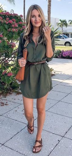 30 Cool and Cute Summer Outfits for Women's Safari Style Addiction Shirt Dress Plus Belt Plus Bag Plus Sandals Source by elladav Green Dress Outfit, Green Shirt Dress, Belted Shirt Dress, Olive Green Outfit, Shirtdress Outfit, Green Dress Casual, Floral Shirt Dress, Cool Summer Outfits, Summer Outfits Women