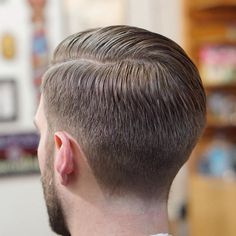 The top short hairstyles for men for the year 2018 are eye-catching and somewhat sophisticated. Today the short mens hairstyles have become particularly. Mens Hairstyles With Beard, Side Hairstyles, Hair And Beard Styles, Haircuts For Men, Trendy Hairstyles, Classic Mens Hairstyles, Short Hair Cuts, Short Hair Styles, Tapered Haircut