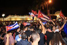 Reacciones del exilio cubano en Miami tras la muerte de Fidel Castro | Reaccion del exilio cubano en Miami tras la muerte de Fidel Castro, Restaurant Versailles, Calle Ocho, Miami, FL. November 26th, 2016