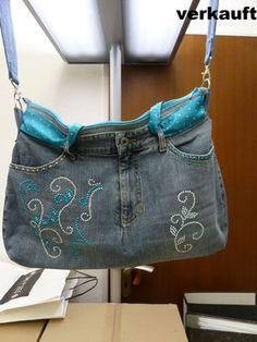 Tasche aus alter Jeans - mit Strassmotiv in Türkis