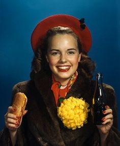 Teenage High School College Girl Holding Hot Dog And Soda Pop Bottle Titian Hair, All American Food, Hot Dog Recipes, Rich Image, Pop Bottles, Photo Colour, College Girls, Vintage Colors, Royalty Free Photos