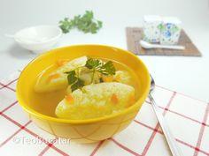 Supa cu galusti, o supa despre care oricare mama iti va spune ca te scoala din boala! Asa ca, singuri puteti concluziona ca este o supa foarte buna care ar trebui sa fie nelipsita din alimentatia noastra si mai ales a copiilor nostri… Ingrediente: -un morcov, -doua cepe mici, -o …