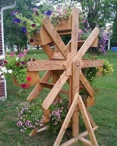 DIY Wooden Planter Box is part of Diy wooden planters - Click Pic for 20 DIY Garden Ideas on a Budget DIY Backyard Ideas on a Budget for Kids Diy Wooden Planters, Wooden Diy, Hanging Planters, Backyard Projects, Garden Projects, Garden Ideas, Garden Crafts, Diy Backyard Ideas, Garden Tips