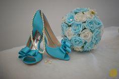 ♥♥♥  CASO REAL: O casamento azul da Sandra e do Lucas Nós, meninas aqui do Casar é um Barato, somos MEGA fãs de um colorido. Seja na decoração, seja no vestido, nas madrinhas, no convite, sempre nos ... http://www.casareumbarato.com.br/caso-real-o-casamento-azul-da-sandra-e-do-lucas/