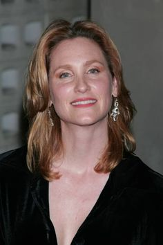 """As """"Marnie""""'s mom and """"Aggie""""'s daughter, Judith Hoag played the role of """"Gwen Piper"""" in Halloweentown Halloween Film, Halloween Town, Judith Hoag, Sara Paxton, 90s Kids, Famous Celebrities, Teenage Mutant Ninja, Wattpad, Redheads"""