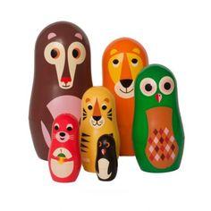 <p>Ravissante série de 6 petites poupées gigognes Animaux en plastique, inspirée par les traditionnelles matryoshka et revisitée avec les illustrations d'Ingela P. Arrhenius, éditée par OMM Design. Les 5 premières poupées s'ouvrent ! Pour égayer vos étagères et y cacher vos mini trésors .</p> <p><em><em><br /></em></em></p>