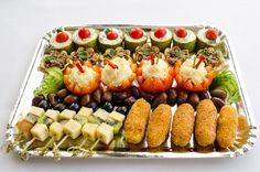 Platou vegetarian Catering, Sushi, Ethnic Recipes, Food, Catering Business, Gastronomia, Essen, Meals, Yemek