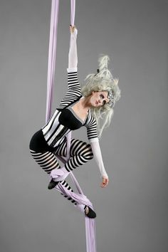 Dream - Love the costume but I can't imagine performing with that hair though!