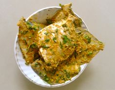 How to cook Masala Fried Pomfret - Spicy pomfret fry recipe. Easy to make delicious Indian fry fish recipe. Goan Recipes, Fried Fish Recipes, Veg Recipes, Spicy Recipes, Curry Recipes, Seafood Recipes, Indian Food Recipes, Chicken Recipes, Cooking Recipes