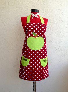 Rengarenk Dantel: Benekli Elma Temalı Mutfak Önlüğü - Green Apple Apron