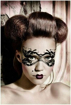 Art & Fantasy Makeup - Perfect for a dramatic gothic shoot.