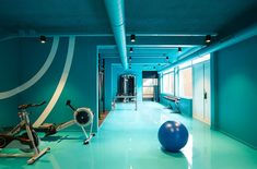 The Student Hotel Amsterdam The Hague. The gym, photo © Kasia Gatkowska x …,staat. https://www.yatzer.com/the-student-hotel