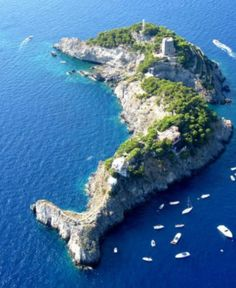 POSITANO: Galli Islands Positano Homer Odyssey Places Around The World, Oh The Places You'll Go, Places To Travel, Places To Visit, Around The Worlds, Time Travel, Vacation Destinations, Dream Vacations, Vacation Spots