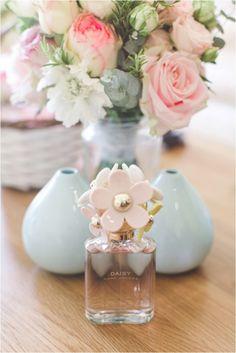 romantic photographers scotland / pastel wedding / Wedding photographers scotland / wedding loch lomond / The Cruin / Sparrow & Rose / wedding perfume / Chantal Lachance-Gibson photography