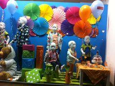 Resultado de imagen para vidrieras de tiendas de niños