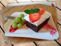 Kúzelný kakaový koláč. | Hrnčekové recepty #recepty #kuzelnykakaovykolac #smotana #kakao Cheesecake, Pudding, Anna, Food, Cakes, Meal, Cheesecakes, Custard Pudding, Essen