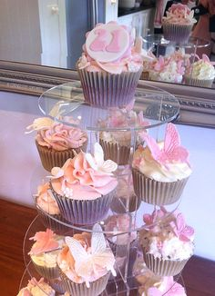 Birthday Cake Girls, Birthday Cupcakes, 15th Birthday, Wedding Cupcakes, Buffet Dessert, Cupcake Collection, Butterfly Cupcakes, Friends Cake, Cupcakes With Cream Cheese Frosting