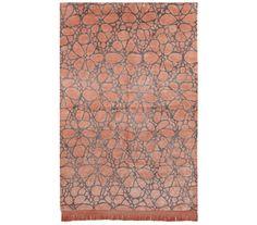 La alfombra del día: DANTE NOCTURNO MELOCOTÓN Alfombras modernas de diseño anudadas a mano con seda vegetal (65%) y seda de bambú (35%). Estas brillantes alfombras presentan un colorido único, aspecto lujoso y suavidad extrema. Incorporan fleco en una de las cabeceras. Medidas disponibles: 170×240, 200×300 Si quieres ver más, [...]