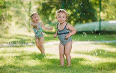 Pienet yhdessä tehdyt asia tekevät lapsen kesästä unohtumattoman. Kokosimme listan helpoista ja halvoista lomapuuhista, jotka ovat lapselle isoja elämyksiä.