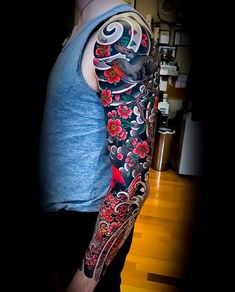 Japanese tattoo sleeve by colinbaker swipe to the side to see both photos! japaneseink japanesetattoo irezumi tebori colortattoo tatouage japonais bras signification des modles les plus populaires Koi Tattoo Sleeve, Japanese Sleeve Tattoos, Japan Tatoo, Bodysuit Tattoos, Tattoo Japonais, Tattoos Geometric, Traditional Japanese Tattoos, Traditional Tattoo Sleeves, Irezumi Tattoos