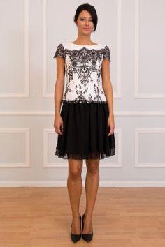 b97be7a859 Diseñadora de vestidos de novia personalizados a medida