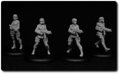 Statuesque Miniatures Female Resistance Fighters