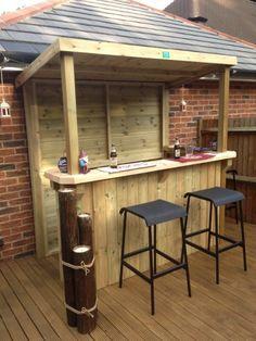 DIY Bar aus Holz für Terrassengestaltung