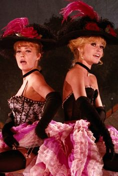 Brigitte Bardot, Jeanne Moreau in VIVA MARIA ! (Louis Malle, 1965)