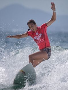 Sally Fitzgibbons (AUS) during the Roxy Pro Gold Coast Snapper Rocks 2015 Australia. www.roxy.com @Roxy By Roxy