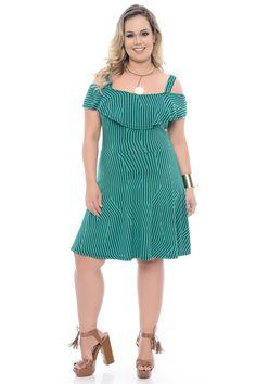 A Chic é uma das maiores lojas de moda da internet no Brasil, oferecendo aos nossos clientes uma grande variedade de grifes de prestígio. Curvy Outfits, Chic Outfits, Plus Size Outfits, Super Cute Dresses, Lovely Dresses, Plus Size Girls, Plus Size Women, Big Size Fashion, Vestidos Plus Size