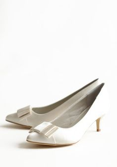 white shoes, kitten heels, wedding shoes, timeless, vintage bridal
