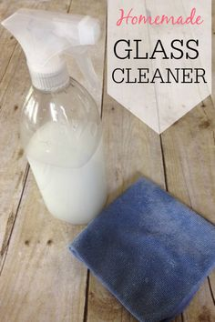 Want to save money and not use all the chemicals? Try this simple Homemade Glass Cleaner. This DIY window cleaner works great on both mirrors and windows. No streaks, no build-up and no funky blue dyes! Diy Cleaners, Cleaners Homemade, Household Cleaners, House Cleaners, Cleaning Recipes, Cleaning Hacks, Cleaning Supplies, Cleaning Solutions, Homemade Putty