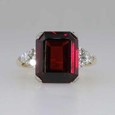 Timeless Retro 4ct Emerald Cut Garnet & Diamond Cocktail Ring 18k | Antique & Estate Jewelry | Jewelry Finds