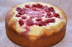 Cake with cream cheese and raspberry (http://vfridge.ru/pirog-s-tvorogom-i-malinoy/)