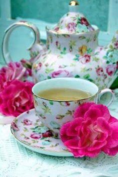 Love This Tea Set.....