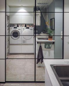 • Garderoben på vaskerommet • ••• • Her har vi en 3 meter lang skyvedørsgarderobe som rommer alt fra sko, ytterklær til matvarer og brus.… Work Surface, Modern Kitchen Design, Laundry Room, Home Appliances, Simple, Ikea, Home Decor, Cloakroom Basin, House Appliances