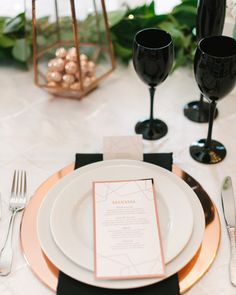 rose gold wedding ideas metallic table setting