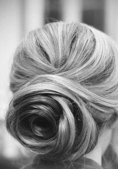 Wedding hair: bun