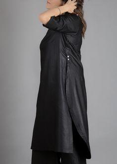 New Kurti Designs, Kurta Designs Women, Designs For Dresses, Khadi Kurta, Shalwar Kameez, Bridal Silk Saree, Panel Dress, Asymmetrical Tops, Black Linen